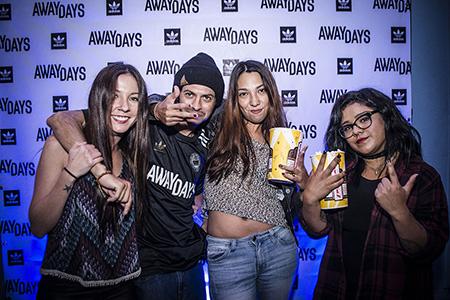 AwayDaysCRpremiere56_OlmanTorres
