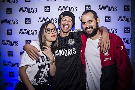AwayDaysCRpremiere64_OlmanTorres